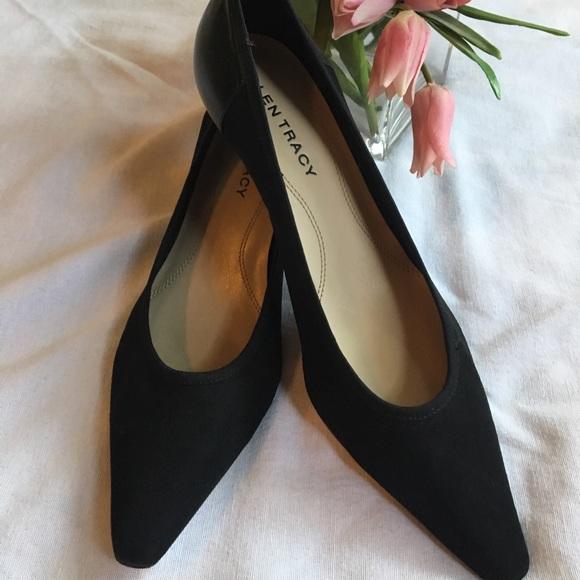 05e05e99cb56 Ellen Tracy Shoes - Ellen Tracy black kitten heels